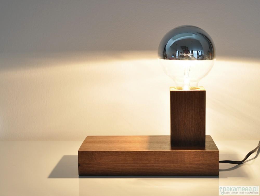 lampy-12129403_1816052889